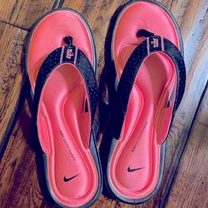 Nike Sandals!